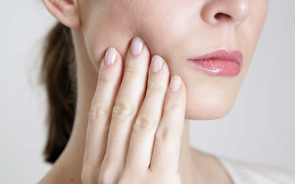 The Link Between a Tooth Infection and Hair Loss